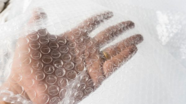 Packing-Materials---bubble-wrap---1015232490