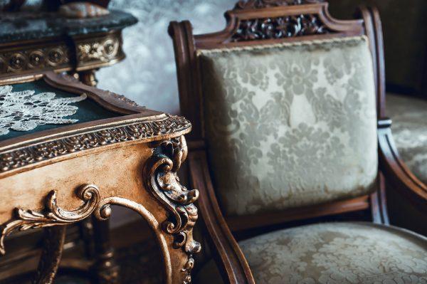 Fine-art--Antique-furniture---858594692