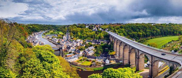 France---Bridge-in-Dinan,-Bretagne---903650648