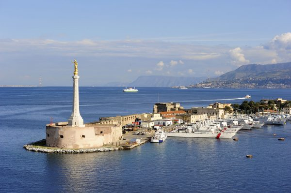 Italy---Port-of-Messina---183406909